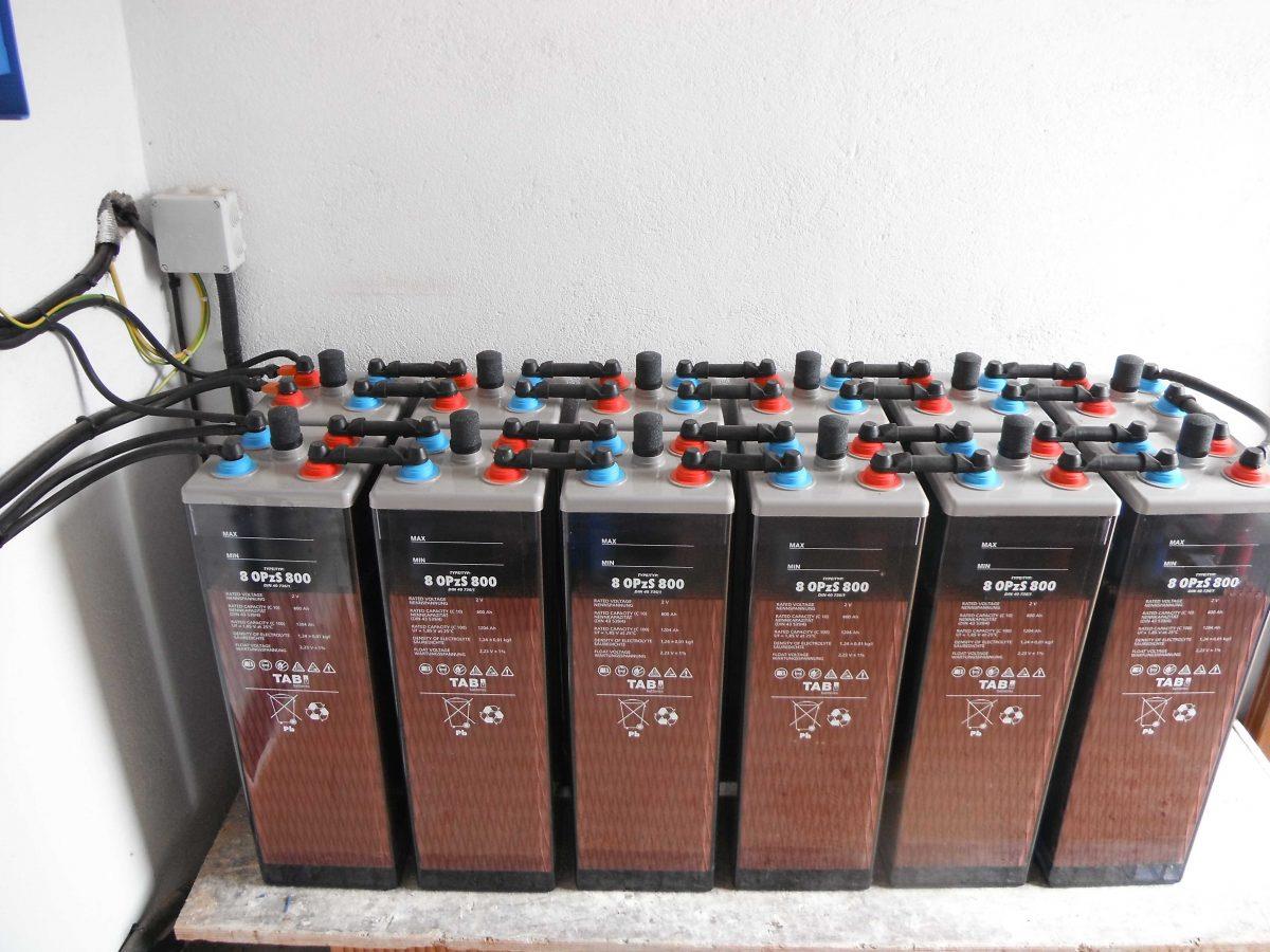 Instalacion de baterias para placas solares online for Placas solares precios